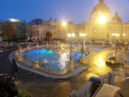 Les bains de Széchenyi