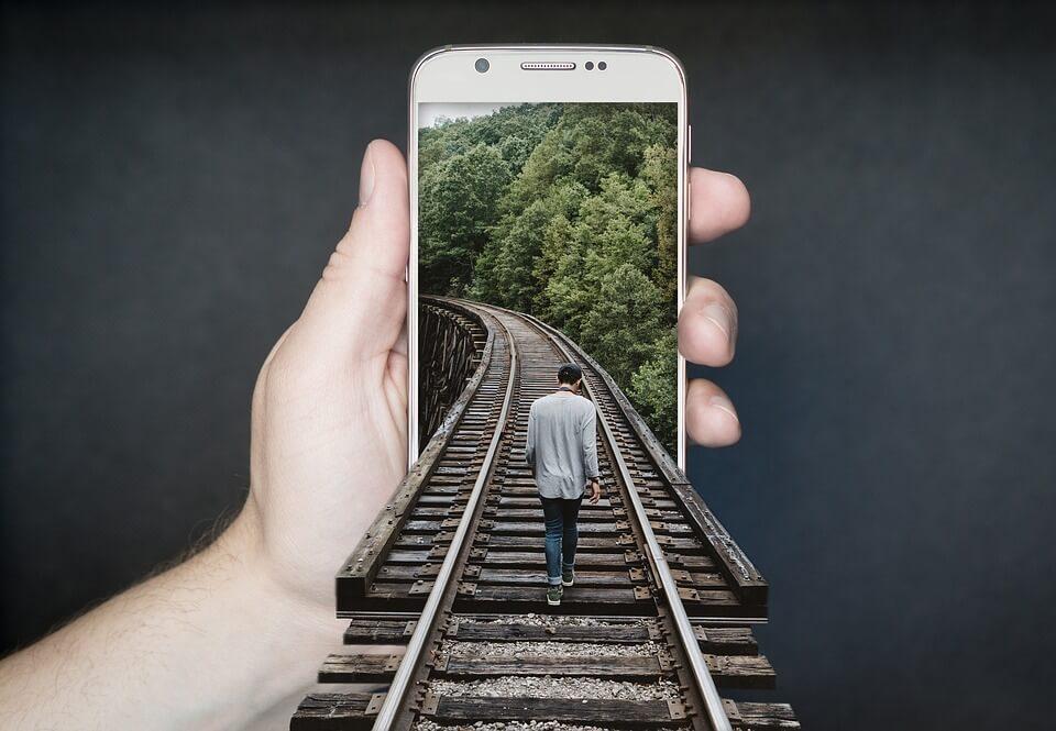 Quel forfait téléphone choisir pour un tour du monde